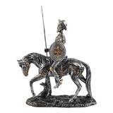 Dom Quixote Montado No Cavalo Com Lança E Escudo