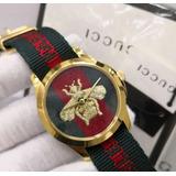 048553be262 Relógio Gucci Bee Aro Dourado Frete Grátis Novo Original